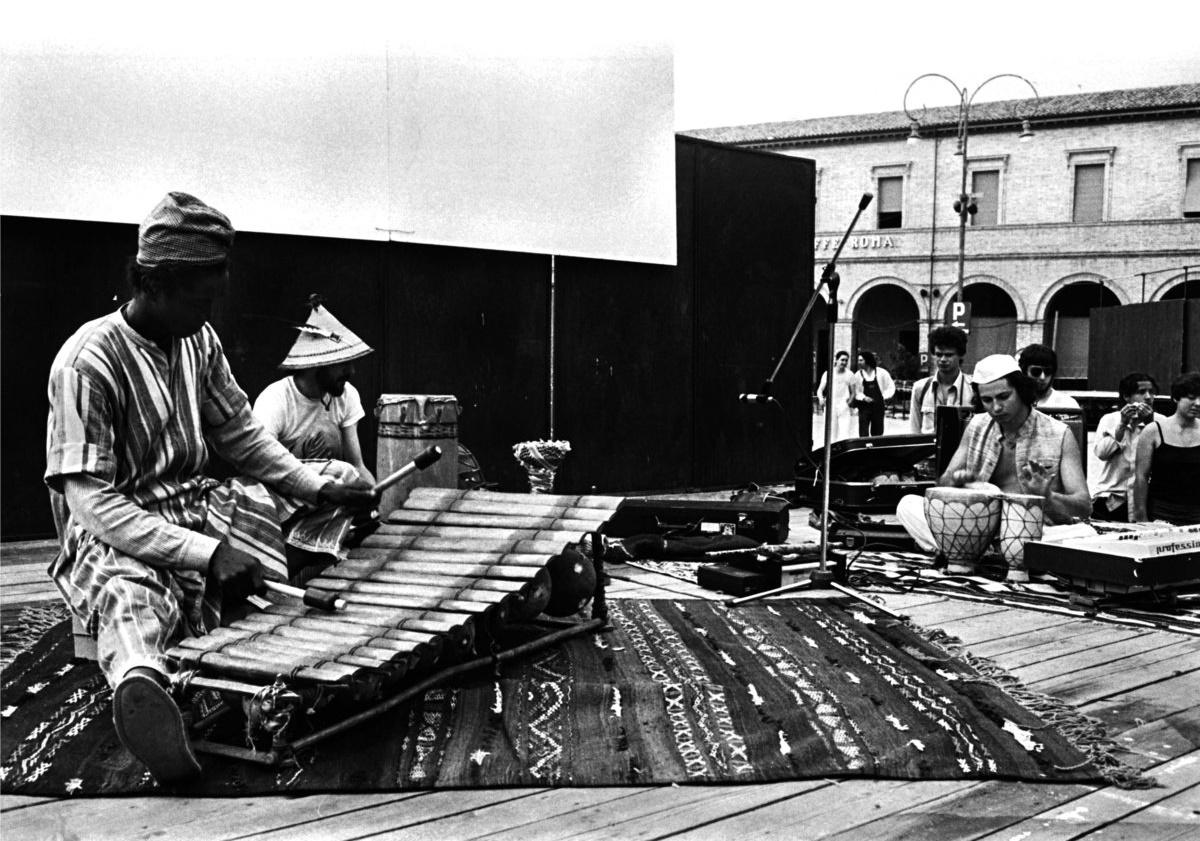 Ранее неизданные записи итальянского экспериментального трио Futuro Antico получили виниловый релиз 1