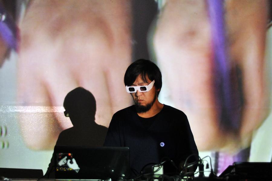"""NHK yx Koyxen выпустит новый альбом """"Exit Entrance"""" на DFA Records 1"""