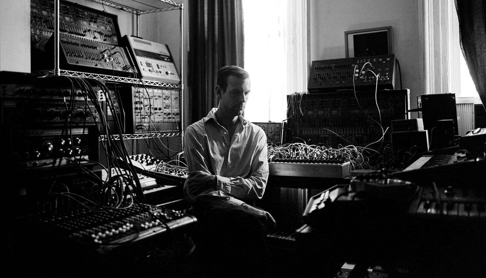 Шон Макбрайд из Xeno & Oaklander представил новый альбом под псевдонимом Martial Canterel