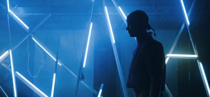 "Fever Ray представила видео на первый за 8 лет новый трек ""To The Moon And Back"""