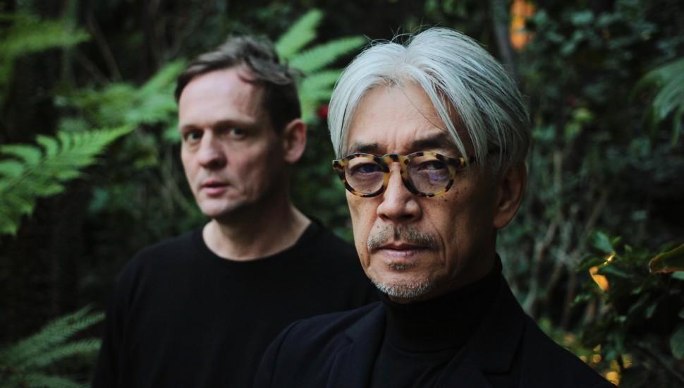 """Рюити Сакамото и Alva Noto выпустят совместный альбом """"Glass"""""""