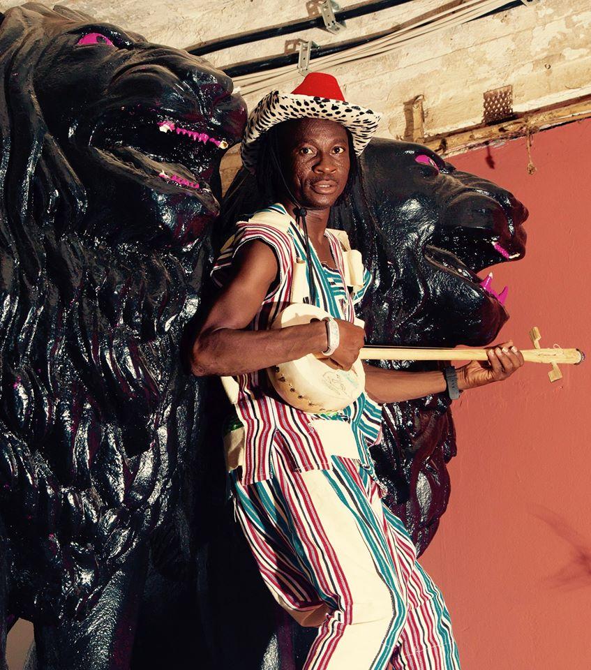 Ритмы народов фрафра в дебютной пластинке ганского певца Guy One 1
