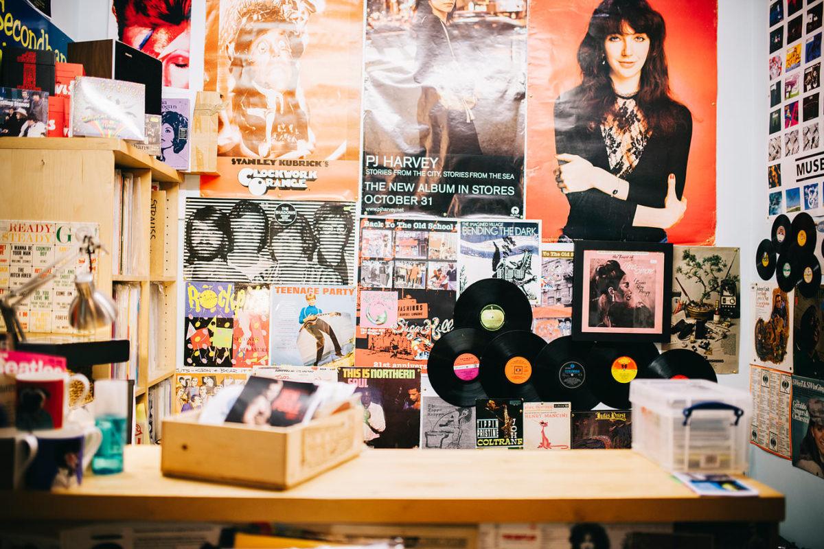 Продажи виниловых пластинок за прошлый год выросли больше чем на 50%, согласно последнему отчету Bandcamp