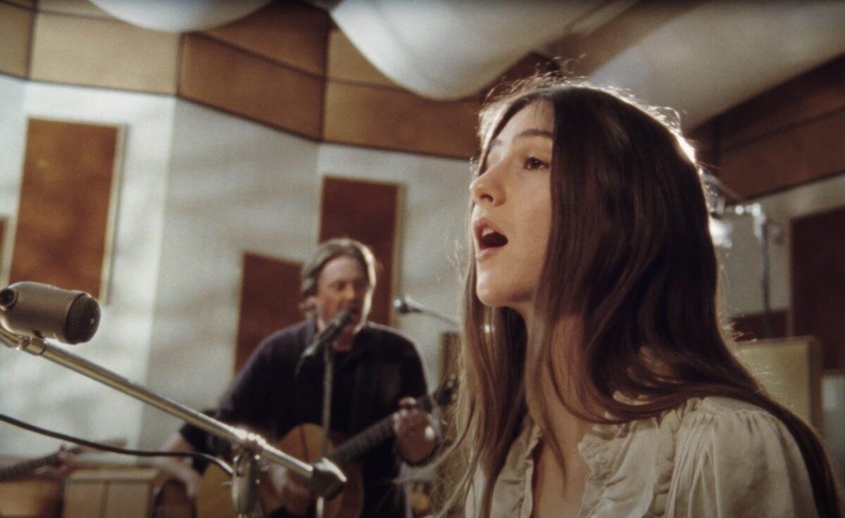 Тим Хайдекер и Weyes Blood объединили силы для сингла «Nothing» 1