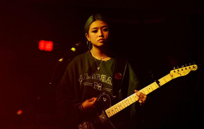 Beabadoobee объявила дату первого альбома и сняла меланхоличный клип «Sorry» 1