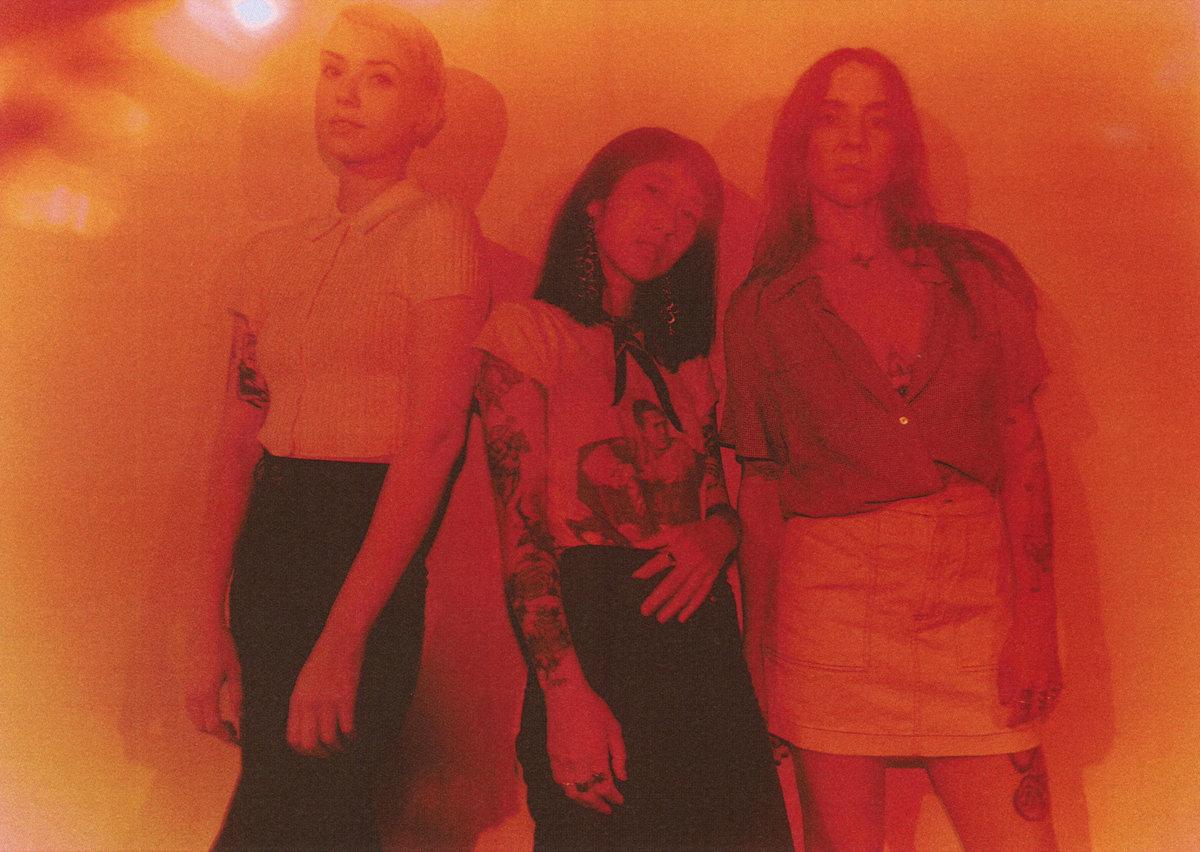 "Total Rubbish представили дебютный EP ""Triple Negative"" 1"