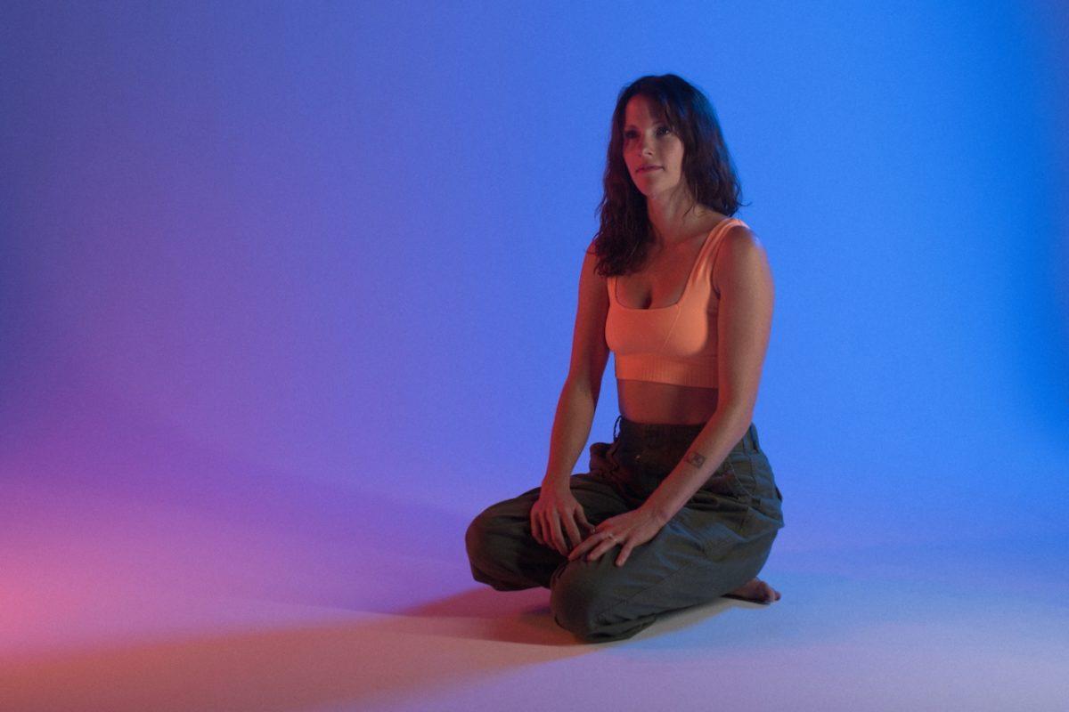 Кейтлин Аурелия Смит изучит возможности электричества на новой пластинке The Mosaic Of Transformation 1