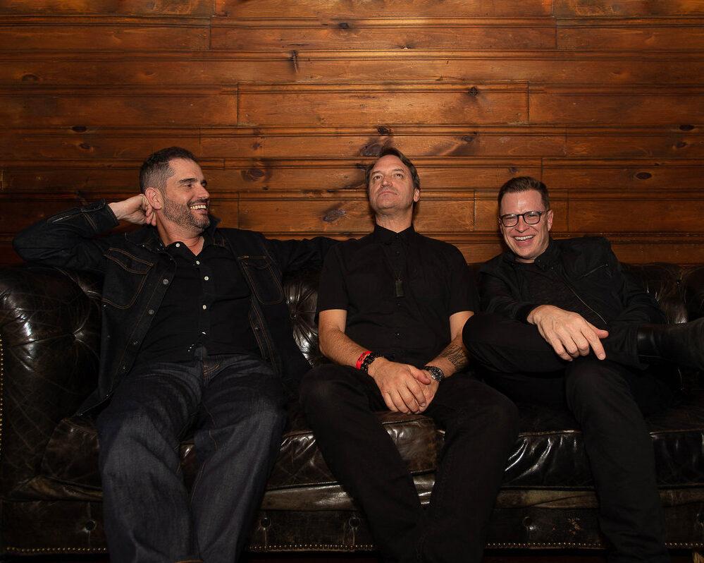 """Garage A Trois возвращаются к оригинальному составу на свежем альбоме """"Calm Down Cologne"""" 1"""