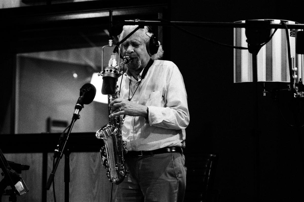 Гэри Бартц выпустил новый альбом в рамках серии Jazz Is Dead 1