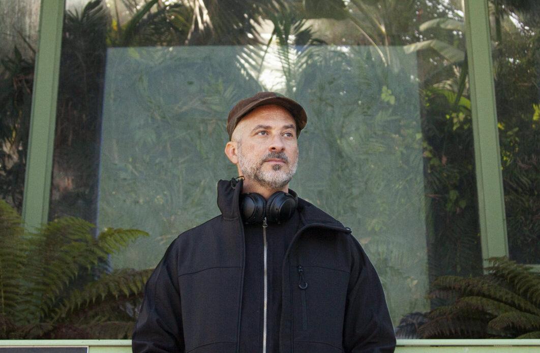 "Альбом Лукаса Санттаны ""3 Sessions In A Greenhouse"" впервые опубликован на виниле 1"
