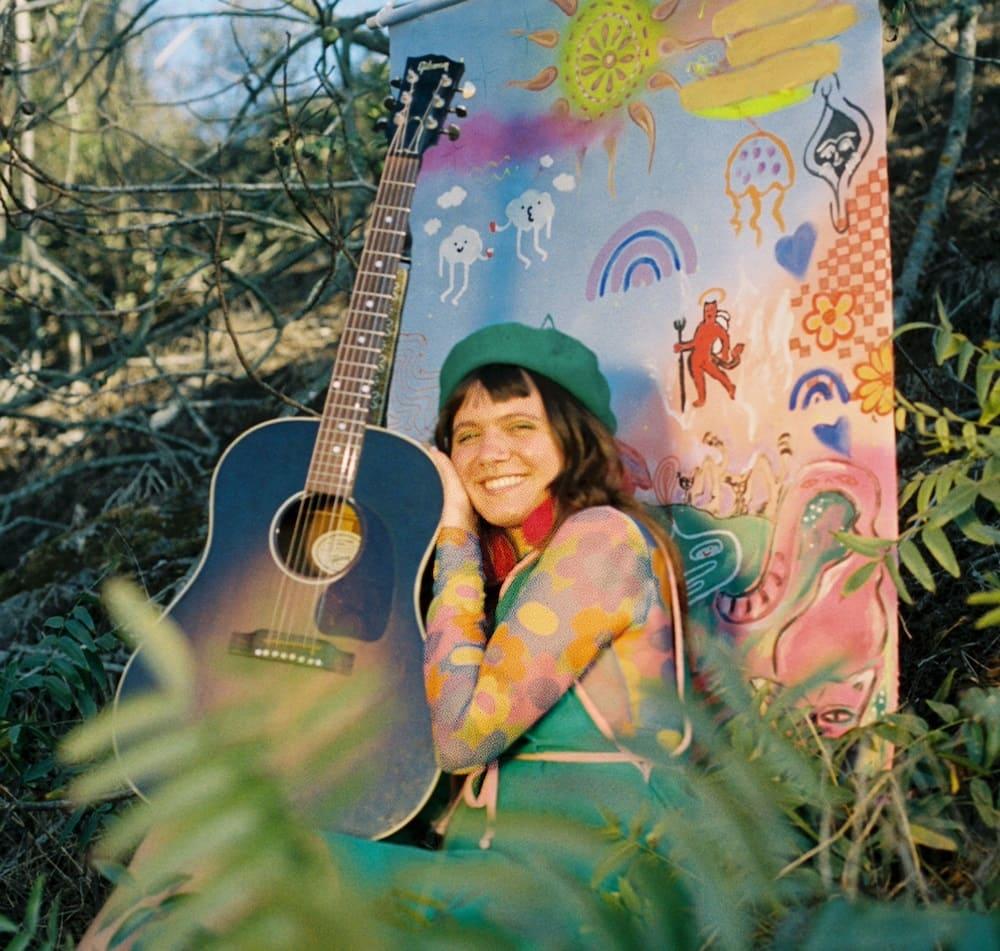 """Мэй Пауэлл записала мечтательный сингл """"Weird Dreams"""" 1"""